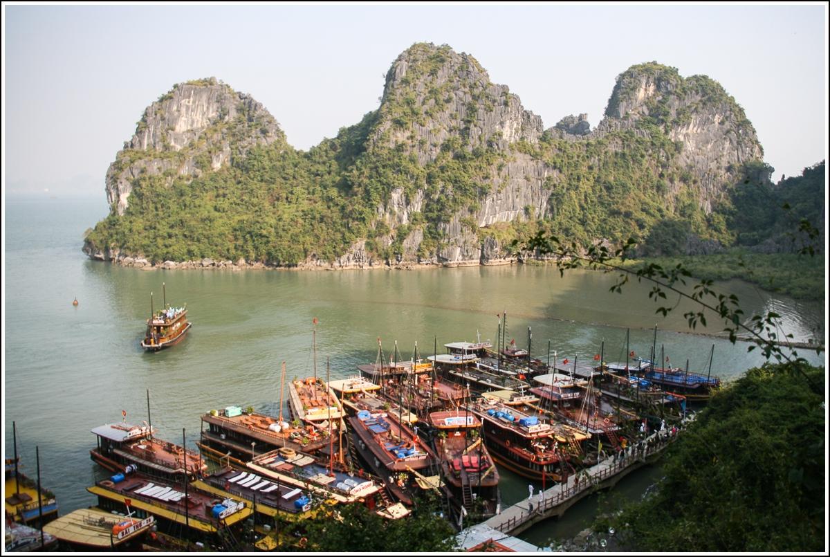 Halong-Bay-Vietnam2