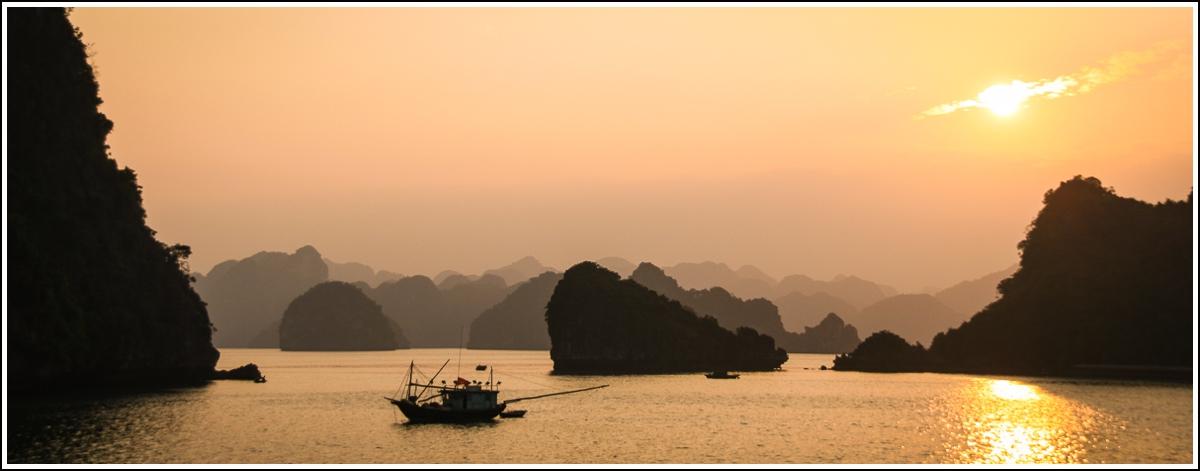 Halong-Bay-Vietnam12