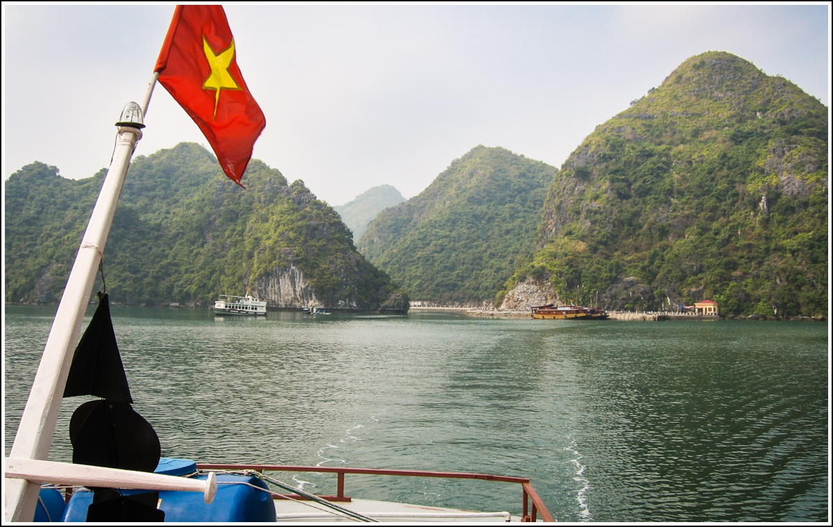 Halong-bay-vietnam-32