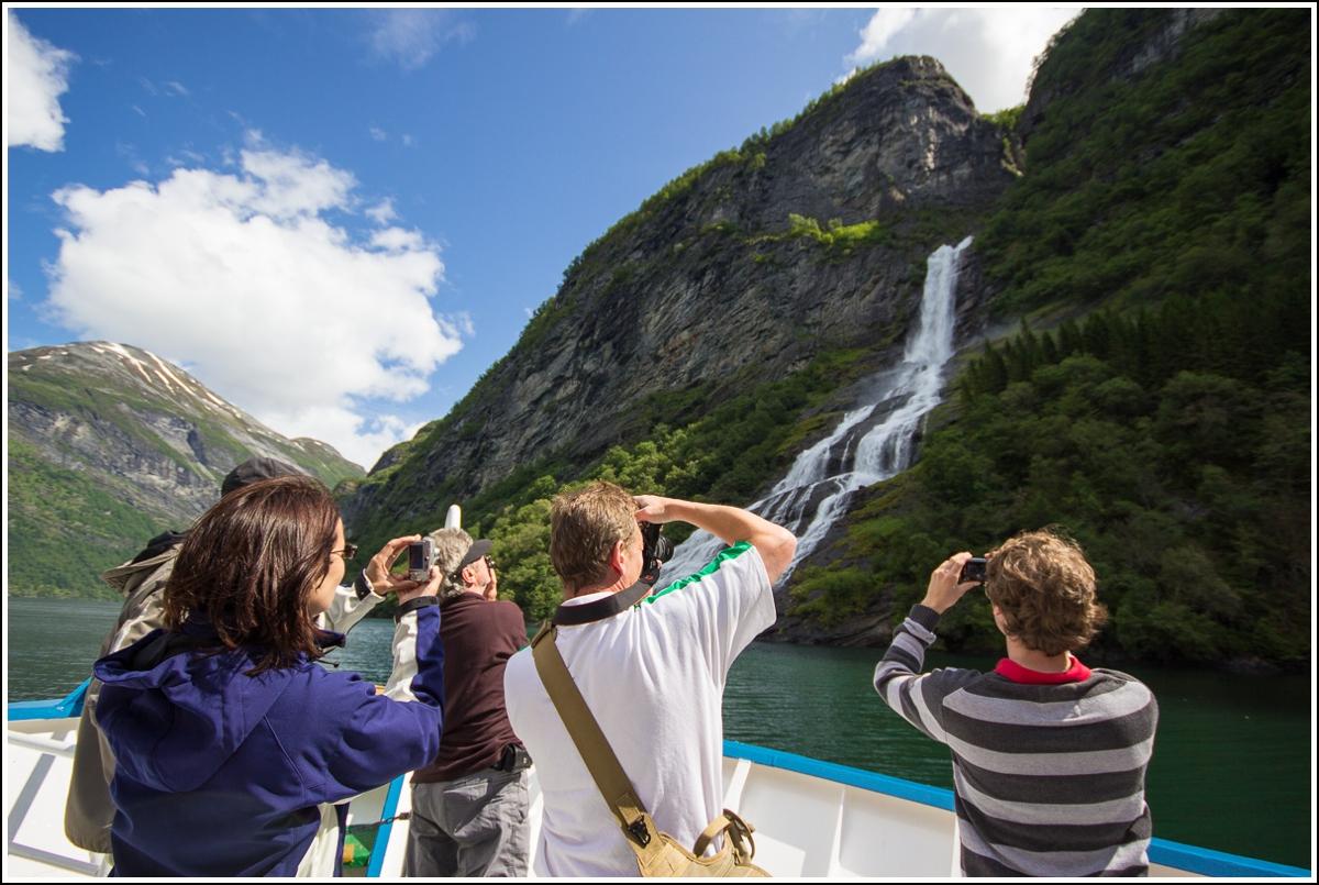 geiranger-cruise-turister