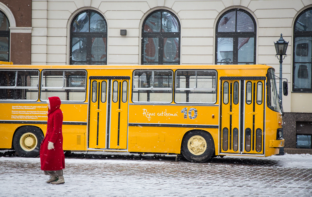 riga-yellow-bus