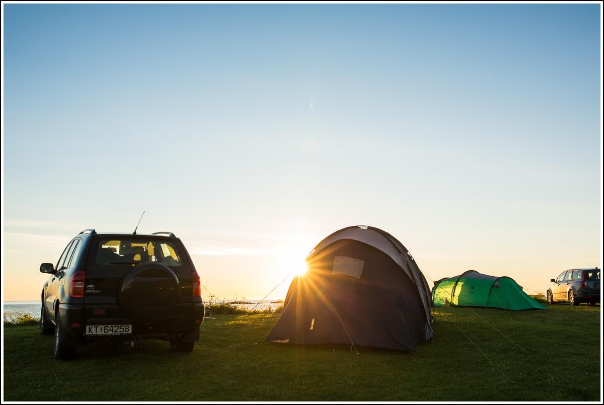 bilferie med telt på campingplass