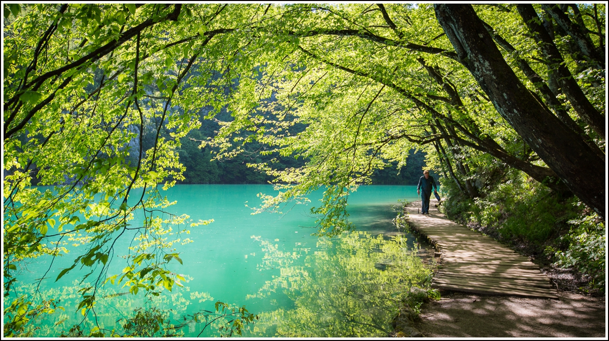 Plitvice-blue-water
