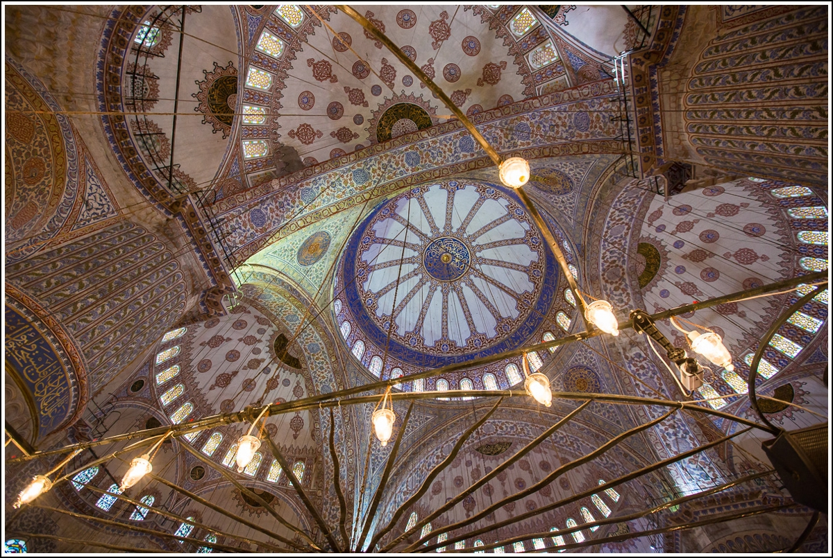blue-mosque-istanbul-ceiling