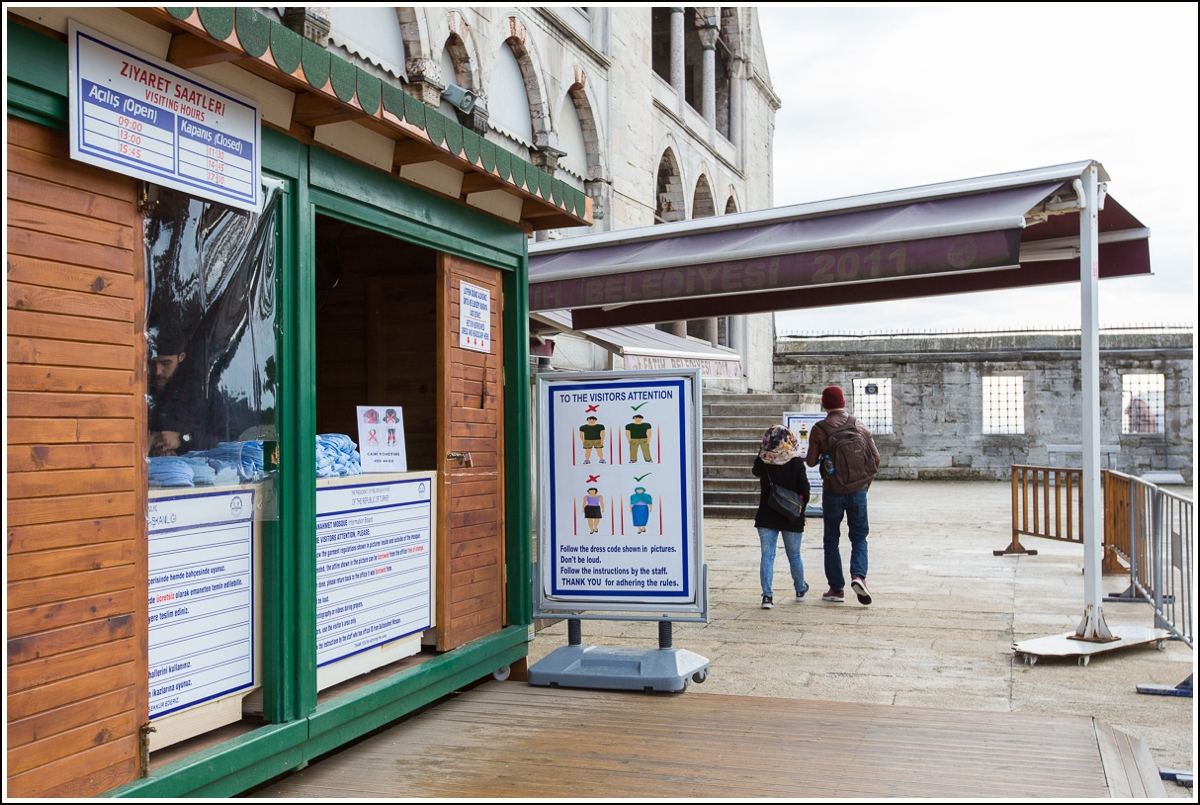 blue-mosque-istanbul-visitor-regulations