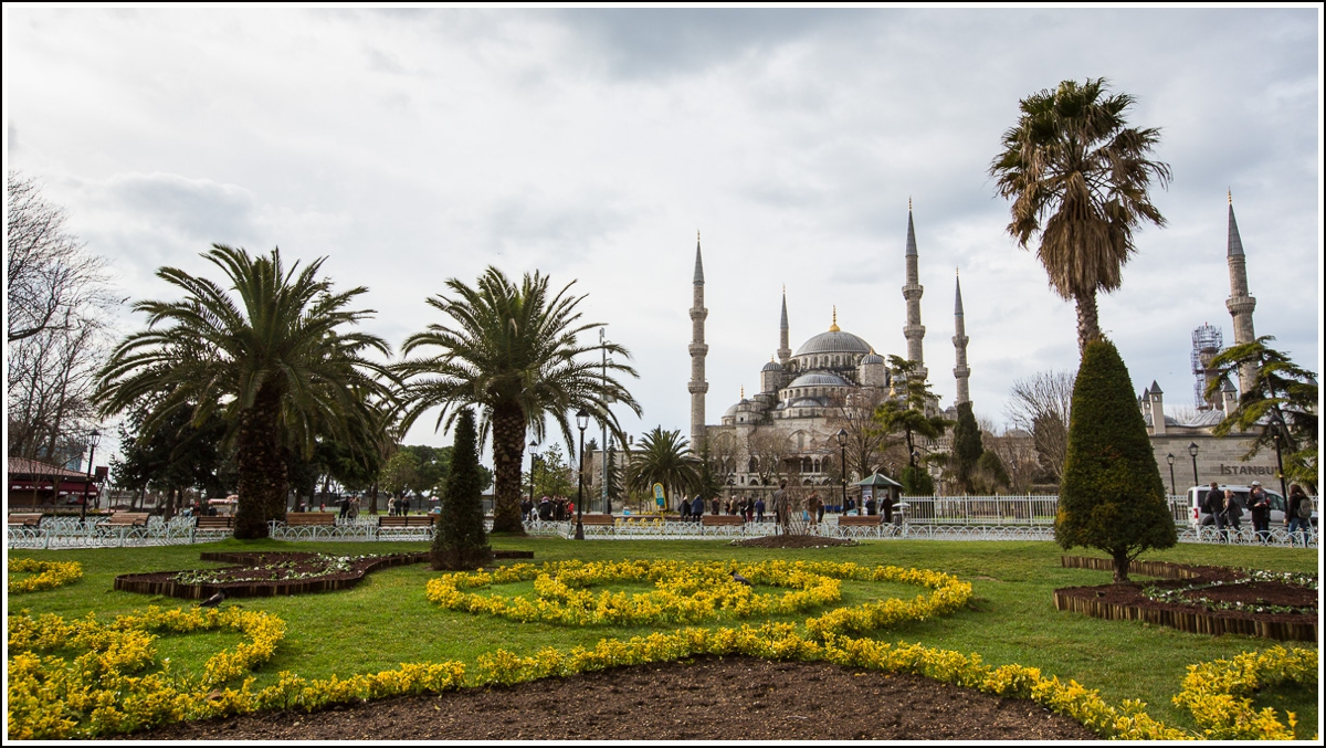 blue-mosque-istanbul-outside