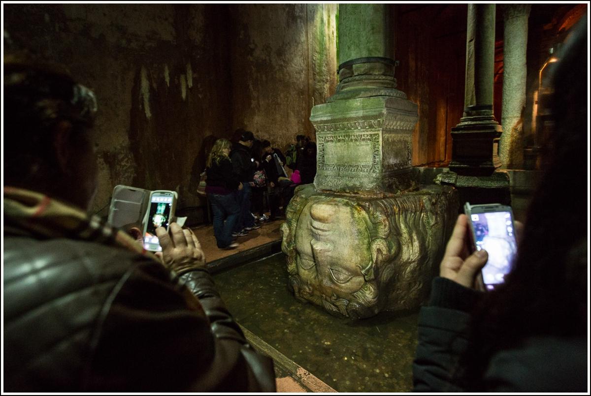 Basilica-cistern-istanbul-medusa