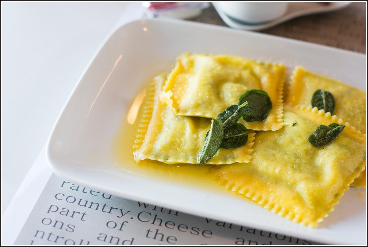 Skiathos-LoLa-restaurant2