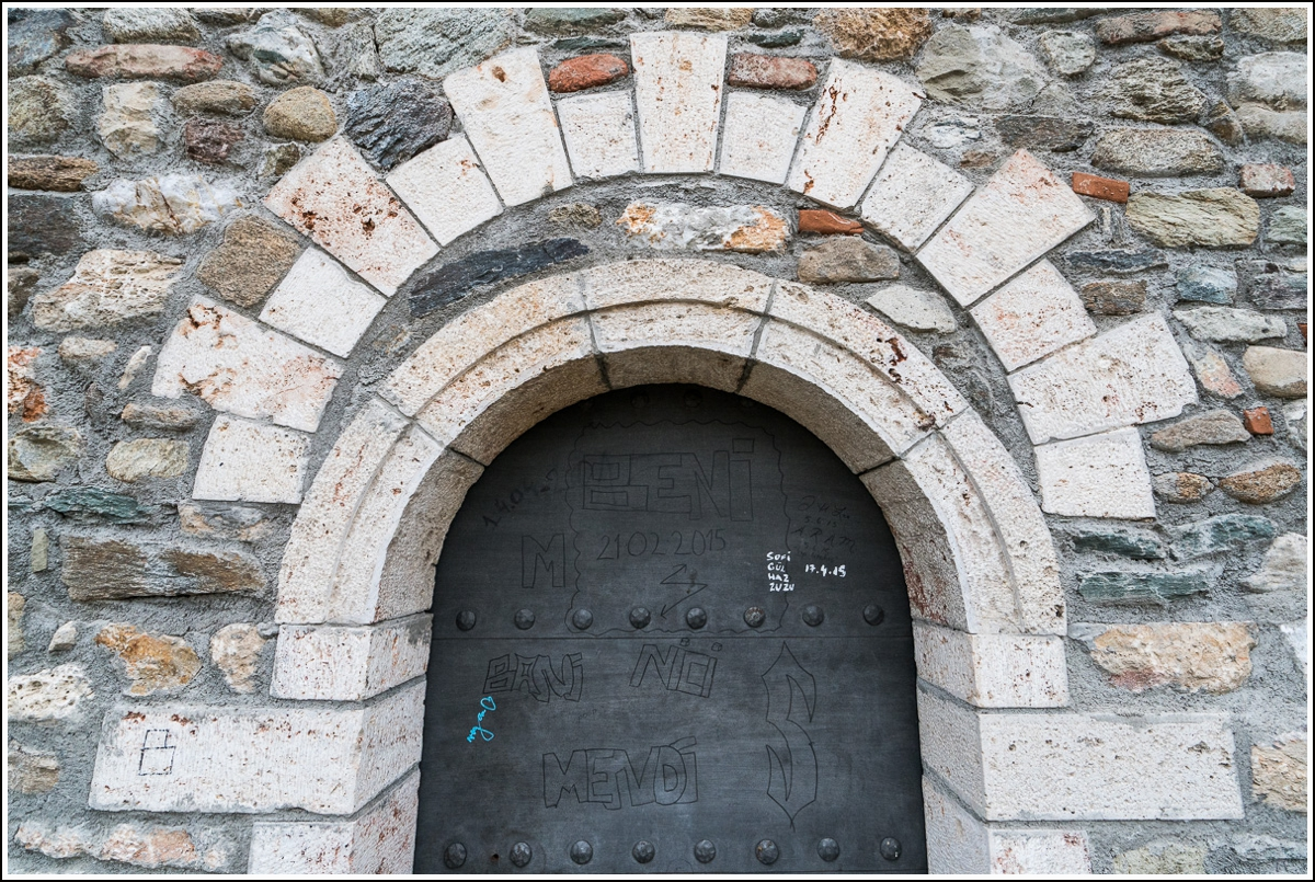macedonia-fortress-door