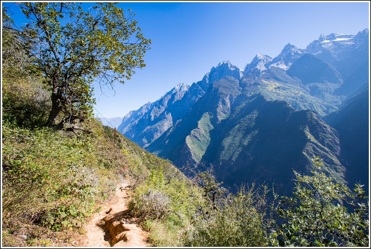 Tiger-Leaping-Gorge-Yunnan-view
