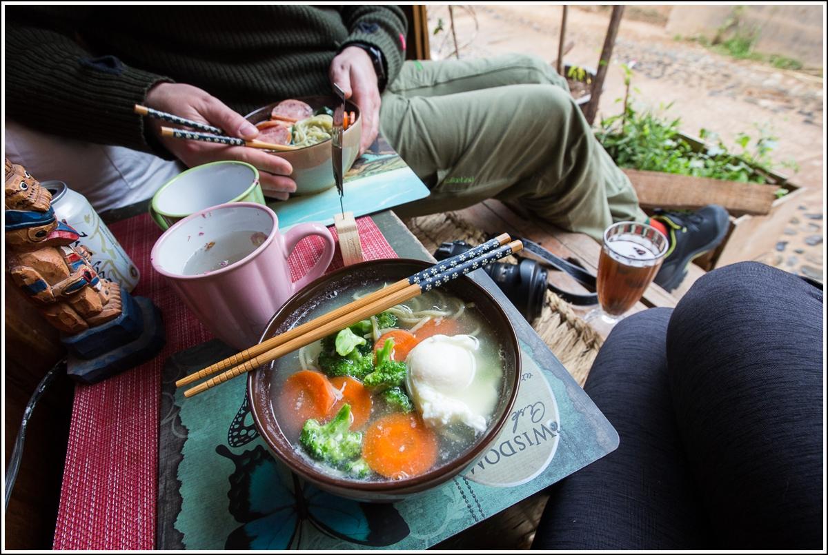 skål med nudler i Shaxi