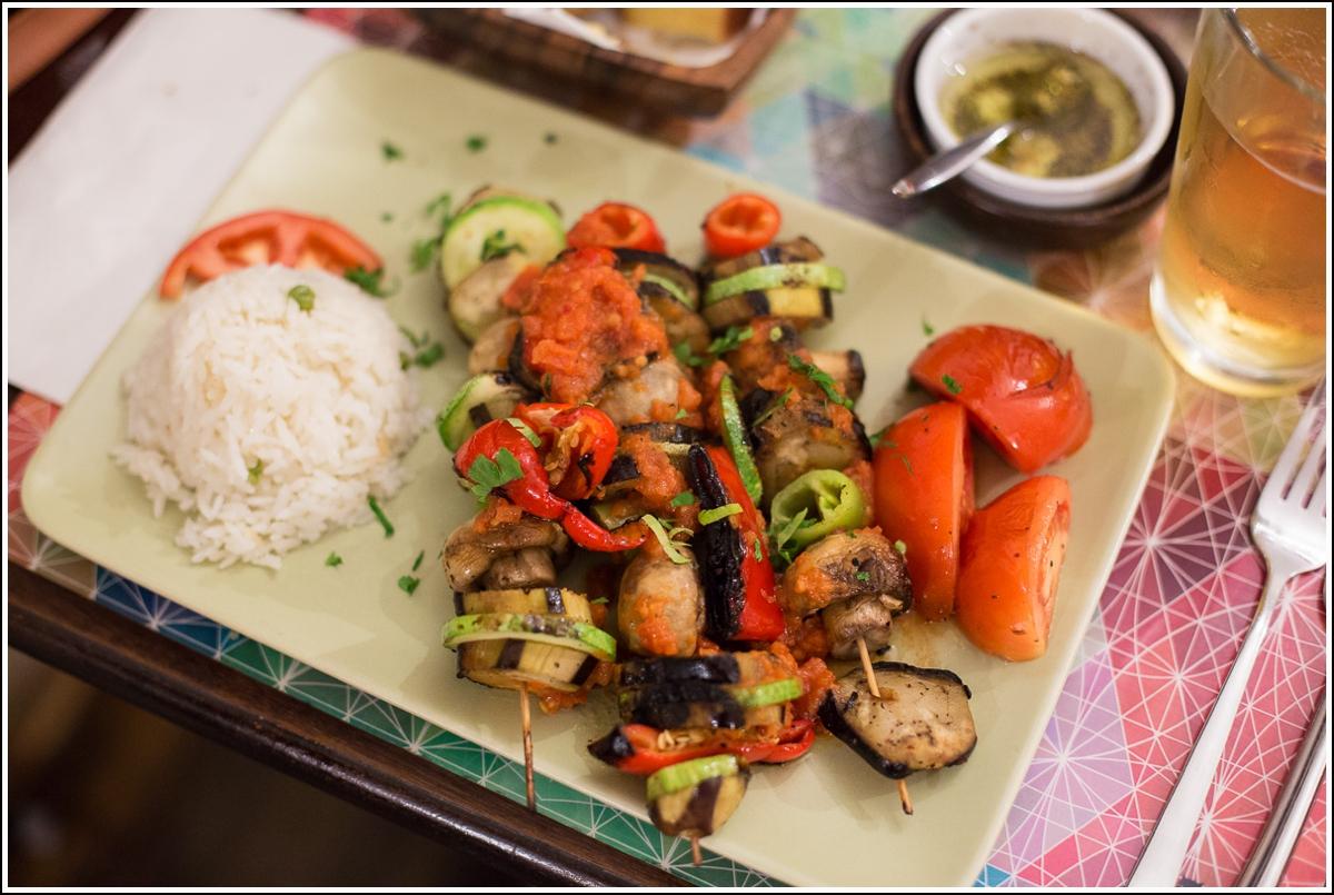 vegetar kebab på restaurant i istanbul