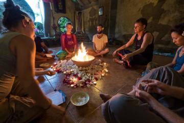 Yoga på bali i Ubud med Peter Clifford